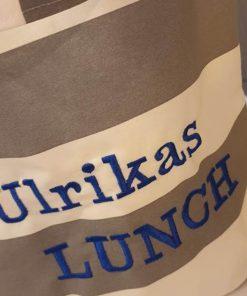 Lunchväska 603 med text på
