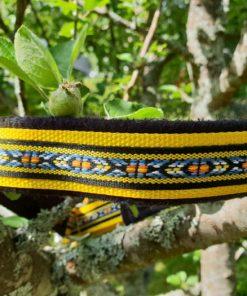 Hundhalsband 6 är ett hundhalsband som finns i olika storlekar och olika mönster. Vi skickar över hela landet mot en fraktavgift.