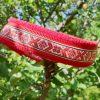 Hundhalsband 8 är ett hundhalsband som finns i olika storlekar och olika mönster. Vi skickar över hela landet mot en fraktavgift.