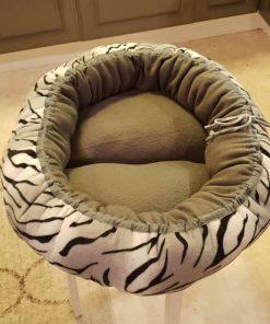 Mysbubbla 74 är en oval hundbädd som man kan få i olika storlekar. Vi skickar över hela landet mot en fraktavgift